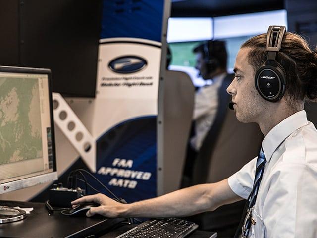 pilot low hours jobs